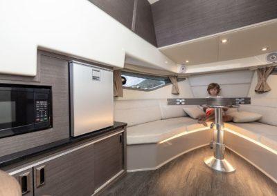 Sea Ray Sundancer 320 Hors Bord salon