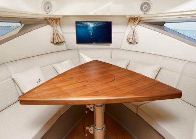 Sea Ray Sundancer 320 Hors Bord table salon